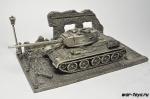 Модель танка Т34-85 с подставкой