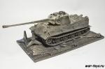 Модель танка Löwe с подставкой