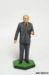 Уинстон Черчилль (в мундире)