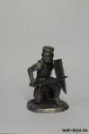 Рыцарь-крестоносец на колене - Оловянный солдатик. Чернение. Высота солдатика 54 мм