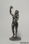 Девушка с виноградом - Оловянный солдатик. Чернение. Высота солдатика 54 мм