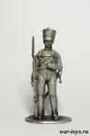 Рядовой гарнизонных полков, 1812 г. - Оловянный солдатик. Чернение. Высота солдатика 54 мм