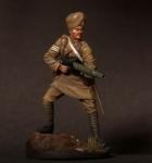 Сержант индийского пехотного полка с пулеметом Lewis, 1916-18 гг - Оловянный солдатик, белый металл (набор для сборки из 9 деталей). Размер 54 мм (1:30).
