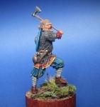 Русский дружинник с топором, 13-14 века - Оловянный солдатик, белый металл (набор для сборки из 10 деталей). Размер 54 мм (1:30).
