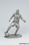 Футболист - защитник (бэк) - Не крашенный оловянный солдатик. Высота 54 мм.