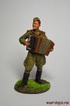 Лейтенант Красной Армии с аккордеоном. 1944-45 гг. СССР