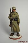 Рядовой пехоты Вермахта (Германия) в караульных ботах. 1942-43 г - Оловянный солдатик коллекционная роспись 54 мм. Все оловянные солдатики расписываются художником вручную