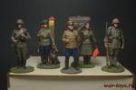 Набор оловянных солдатиков Вторая мировая в под коробке - Набор оловянных солдатиков 5 шт. Высота солдатиков 54 мм.