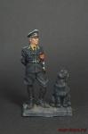 Офицер СС 1937-45 гг,с собакой.