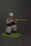 Рядовой РИА в шинели, на колене - Оловянный солдатик коллекционная роспись 54 мм. Все оловянные солдатики расписываются художником вручную