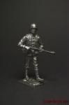 Немецкий солдат идёт с пулемётом наперевес - Оловянный солдатик. Чернение. Высота солдатика 54 мм