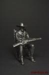 БАНДИТ В КРЕСЛЕ-КАЧАЛКЕ - Оловянный солдатик. Чернение. Высота фигурки 54 мм