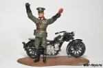 Патрульный на мотоцикле Guzzi Alce