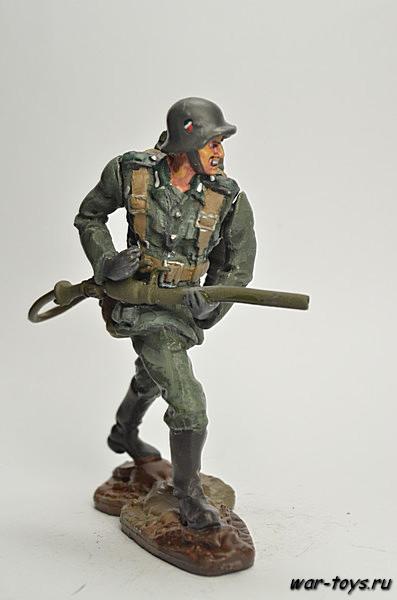 Солдаты ВОВ №51 - Огнемётчик штурмовых инженерно-сапёрных бригад РККА, 1943-1945 гг.